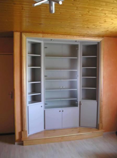 bibliothèque sur mesure bois peint